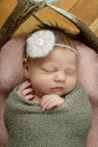 Newborn-Shooting bei euch zu Hause in der Region Einsiedeln